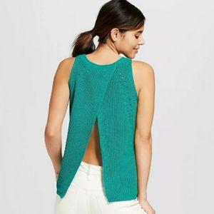 Envelope Back Knit Sleeveless Top